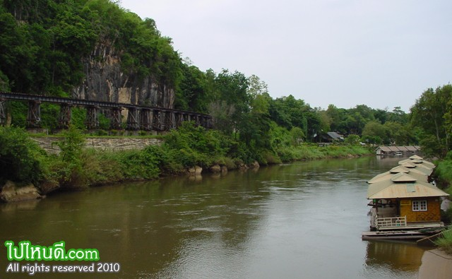 ทางรถไฟสายมรณะหรือ ทางรถไฟสายพม่า ทางรถไฟสายนี้เริ่มต้นจากสถานีชุมทางหนองปลาดุก อำเภอบ้านโป่ง จังหวัดราชบุรี ผ่านจังหวัดกาญจนบุรีข้ามแม่น้ำแควใหญ่ โดยสะพานข้ามแม่น้ำแคว ไปทางทิศตะวันตกจนถึงด่านเจดีย์สามองค์ เพื่อให้ถึงปลายทางที่เมืองทันบูซายัด ประเทศพม่าทางรถไฟสายมรณะมีความยาวจากหนองปลาดุกถึงสถานีตันบูซายัดรวม 415 กิโลเมตร เป็นทางรถไฟอยู่ในเขตประเทศไทยประมาณ 303.95 กิโลเมตร และอยู่ในเขตพม่า 111.05 กิโลเมตร มีสถานีจำนวน 37 สถานี  ทางรถไฟสายนี้สร้างขึ้นในช่วงสงครามโลกครั้งที่ 2 โดยใช้แรงงานเชลยศึกของสัมพันธมิตรที่กองทัพญี่ปุ่นเกณฑ์มาสร้าง เพื่อใช้เป็นเส้นทางยุทธศาสตร์ผ่านประเทศพม่า  ปัจจุบันเส้นทางนี้ไปสุดปลายทางที่บ้านท่าเสาหรือสถานีน้ำตก ระยะทางจากสถานีกาญจนบุรีถึงสถานีน้ำตกเป็นระยะทางประมาณ 77 กิโลเมตร การรถไฟแห่งประเทศไทยเปิดเดินรถบนเส้นทางนี้ทุกวันและจัดรถไฟขบวนพิเศษสายกรุงเทพฯ - น้ำตก ทุกวันเสาร์ อาทิตย์ และวันหยุดราชการ จุดที่นักท่องเที่ยวให้ความสนใจมากคือช่วงสะพานข้ามแม่น้ำแคว และช่วงโค้งมรณะหรือถ้ำกระแซ ซึ่งเป็นสะพานโค้งเลียบแม่น้ำแควน้อยยาวประมาณ 400 เมตร