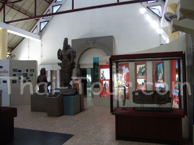 เป็นพิพิธภัณฑสถานแห่งชาติที่ประชาชนในท้องถิ่นร่วมใจกันจัดสร้างขึ้น โดยมีวัตถุประสงค์เพื่อรวบรวมโบราณวัตถุและวัตถุอันมีค่าต่าง ๆ