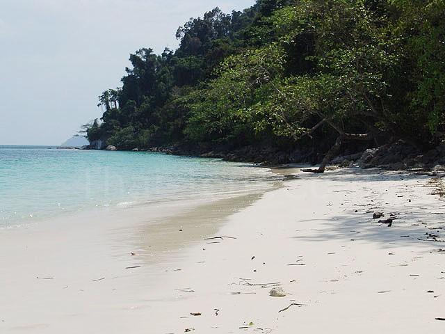 ก่อนเดินทางกลับ ขอเก็บภาพหาดทรายขาวๆ เนียนๆ ก่อนนะ