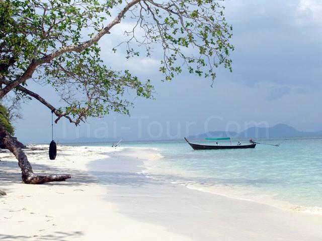 หาดทรายขาวละเอียด ขอเดินเล่นให้สบายใจก่อนละกัน