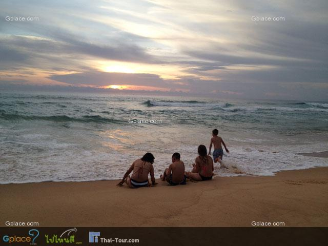 อาทิตย์ตกที่หาดกะรน ถ่ายโดย iPhone4s