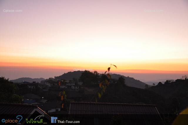 พระอาทิตย์ขึ้นมาแล้ว เจ้าของรีสอร์ท บอกว่า สวยมากเลยนะ