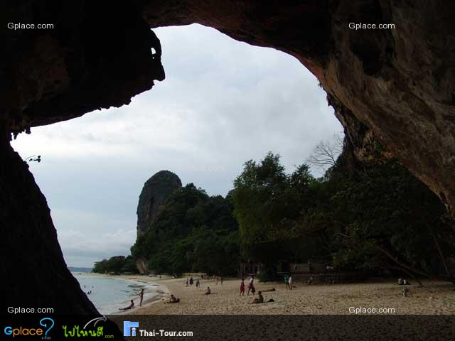 Here seems one of the most popular pictures representing Krabi province.