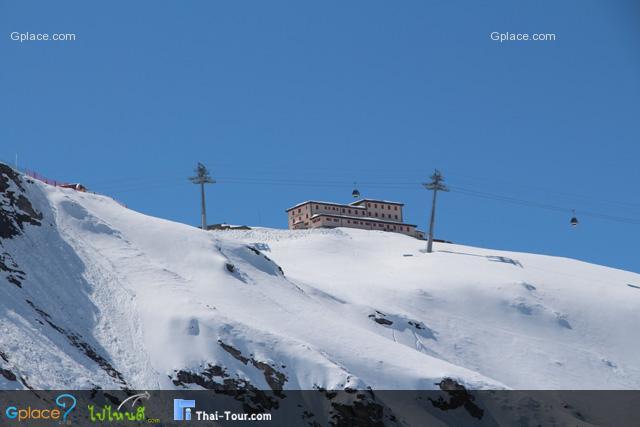 สถานี และกระเช้าของนักสกี