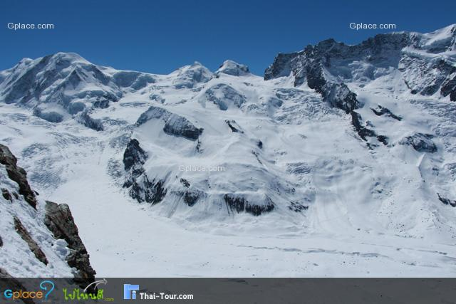 ลานแบบนี้ นักสกีต้องชอบ แต่ต้องให้เจ้าหน้าเกลี่ยลานให้แข็งกว่านี้ก่อน...
