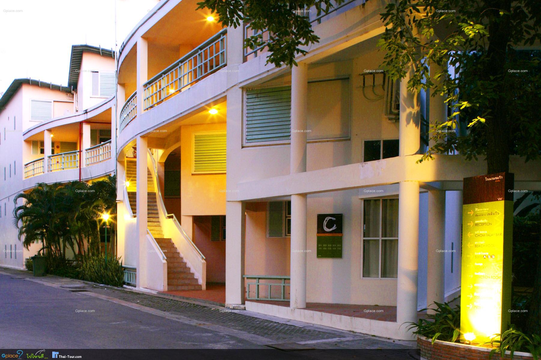 ห้อง Garden View Suite สำหรับครอบครัว จะเป็นตัว 2 ห้อง อันนี้จะเป็นตัวโซนตึกเก่า