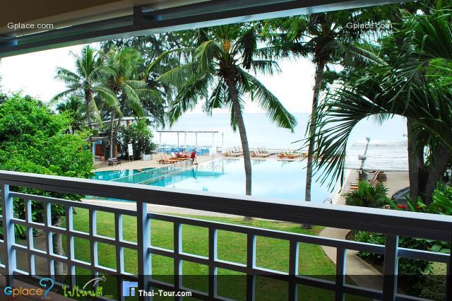 มีห้องFamily Seaview ที่เห็นทั้งวิวสระว่ายน้ำริมหาดและทะเลด้วย