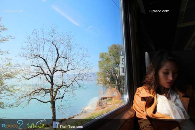 ผมเดินทางมาจาก Zermatt - Montreux โดยรถไฟ...เมื่อเข้าเขตทะเลสาปเจนีวา ประกอบด้วยเมืองใหญ่ๆ สำคัญๆ คือ มงเทรอ เวเวย์ โลซาน และเจนีวา ผ่านปราสาทซีลง Chateau de Chillon นั่นแหล่ะครับเราเริ่มเข้ามงเทรอแล้ว