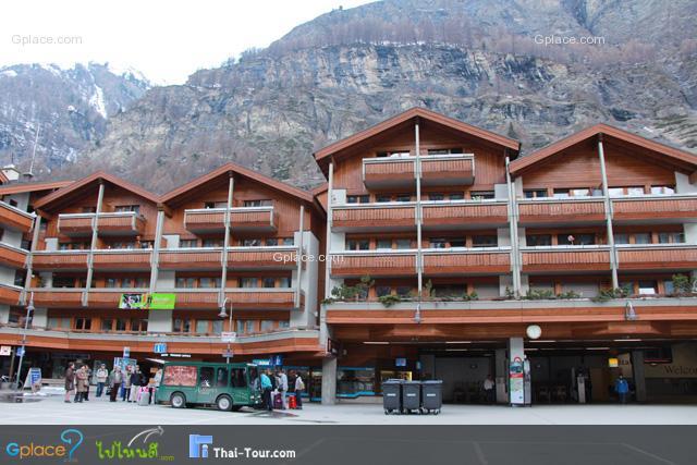 แล้วก็มาถึง Zermatt เมืองแห่งสกีและภูเขาหิมะ ที่นักท่องเที่ยวชาวไทยหลายคนหลงใหล