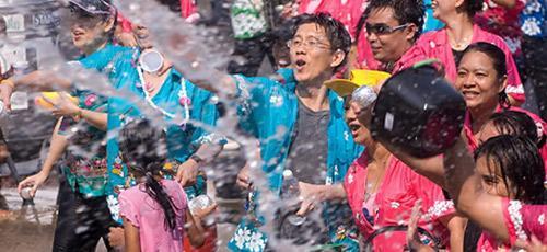 งานนมัสการพระพุทธสิหิงค์และงานสงกรานต์จังหวัดชลบุรี2556