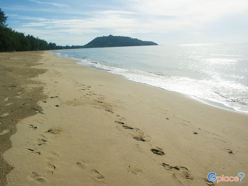 潘基库鲁特海滩