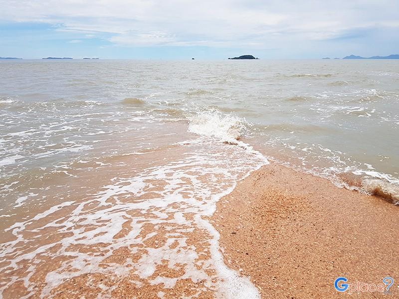 หาดสันหลังมังกร