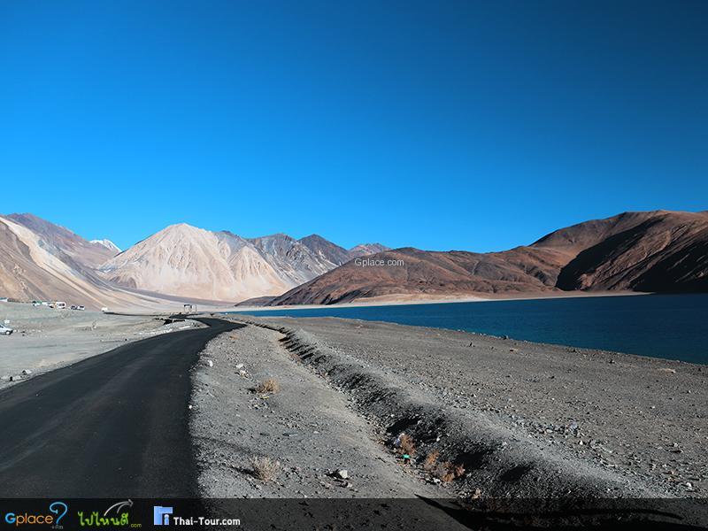 ทะเลสาบพันกอง Pangong Lake