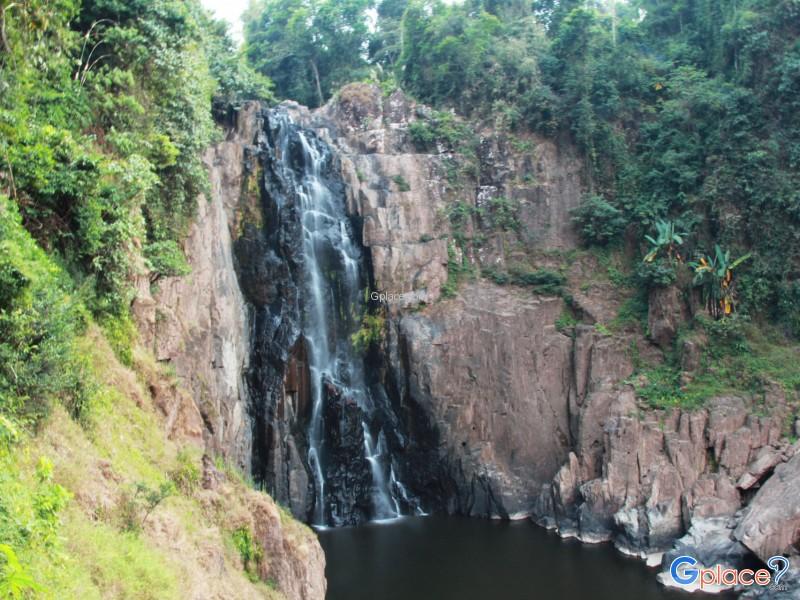 Heo Narok Waterfall