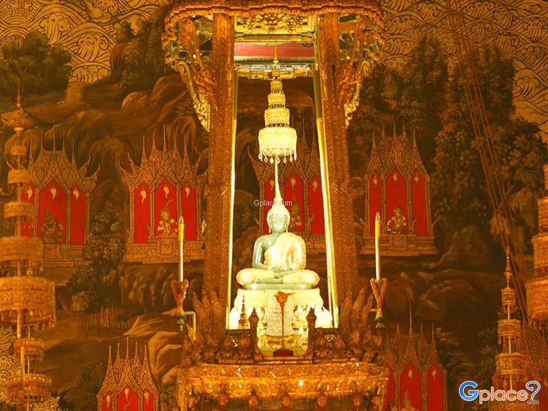 พระพุทธรูปศักดิ์สิทธิ์ กรุงเทพมหานคร