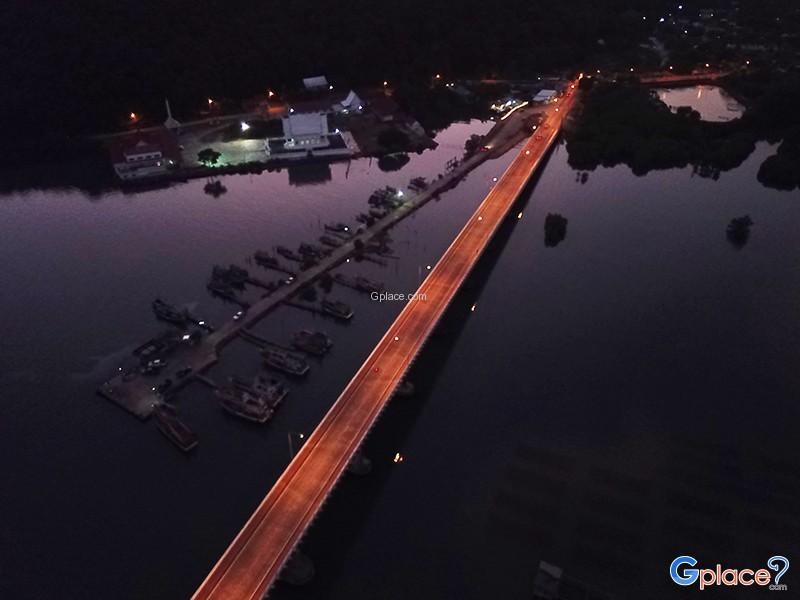 สะพานตากสินมหาราช