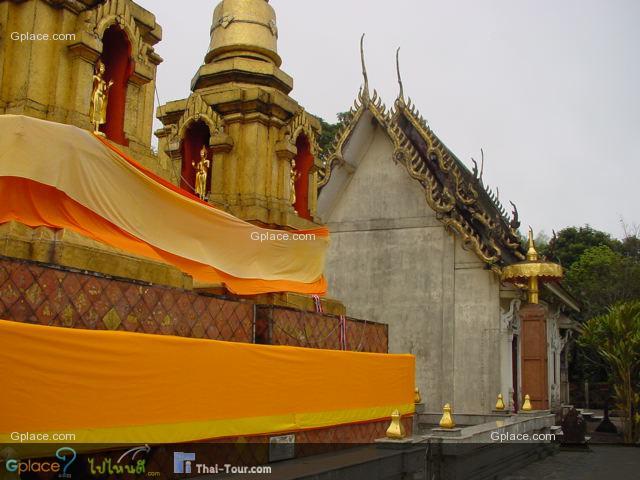 วิหารและพระธาตุดอยตุง