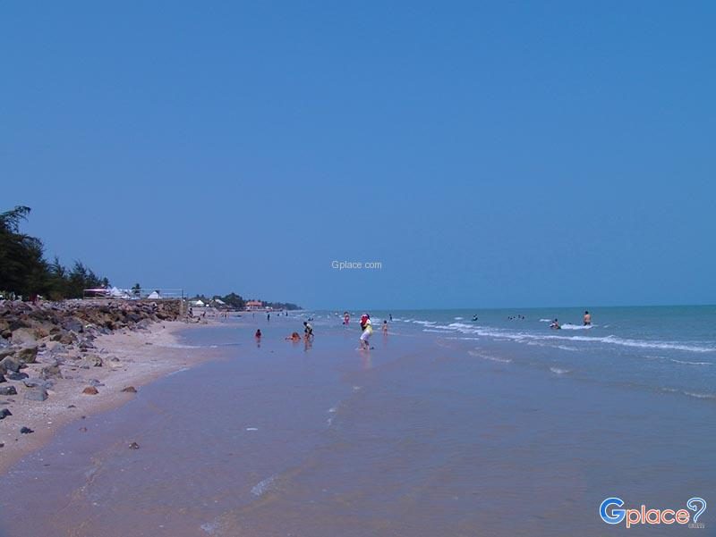 Chao Samran Beach