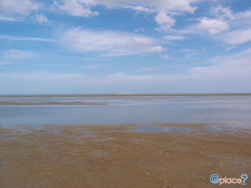 纳瑞宣海滩