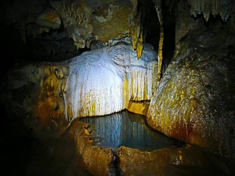 ถ้ำสระยวนทอง