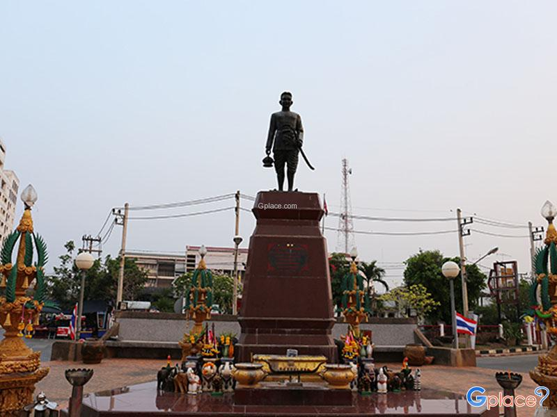 Phraya Chai Sunthon Monument