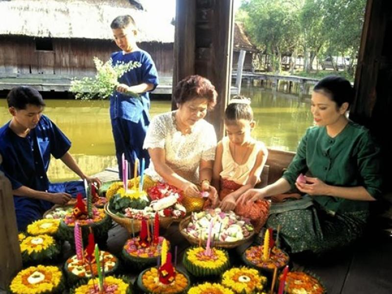 งานมหัศจรรย์ลอยกระทงราชบุรี ประเพณี 8 ชาติพันธุ์