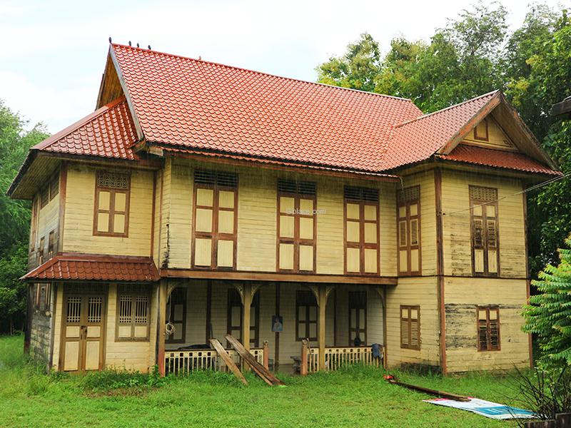 บ้านพักรับรองหลวงศรีนครานุกุล