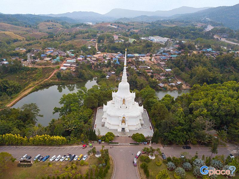 Chedi of Buddha relics of Khao Kho