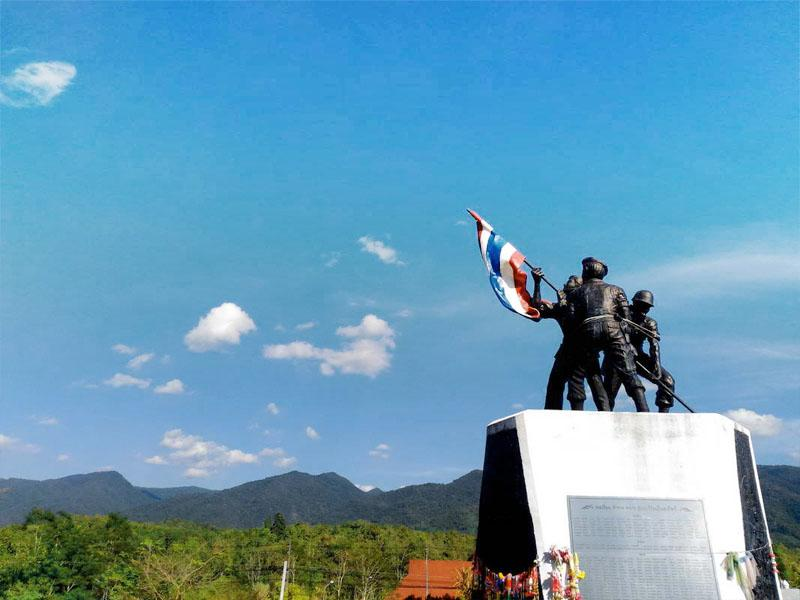 The heroes of Pho To Tho Thung Chang Monument