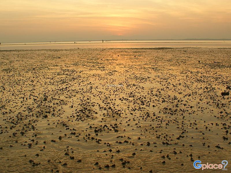 Lan Sai Beach