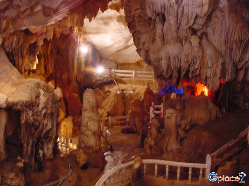 Vang Vieng caves