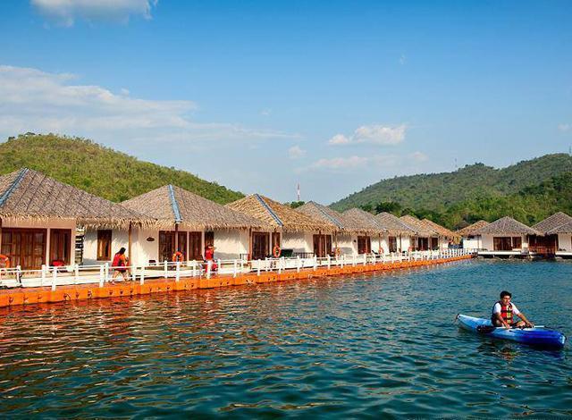 10 ที่พักบนน้ำยอดนิยม กาญจนบุรี