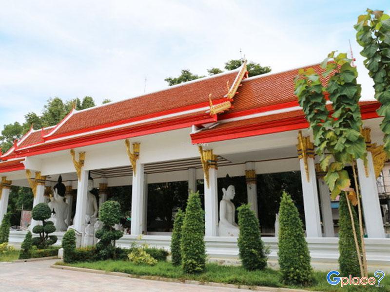 Wat Nakhon Sawan
