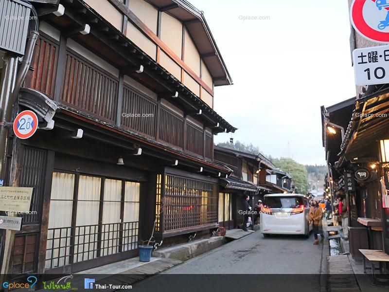 ซังมาจิซูจิ Takayama Old Town