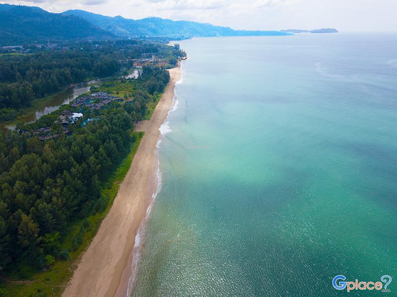 หาดคึกคัก