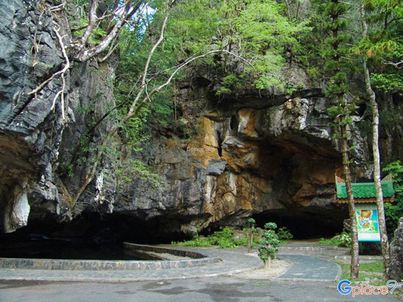 Rusi Sawan Cave and Luk Sua Cave