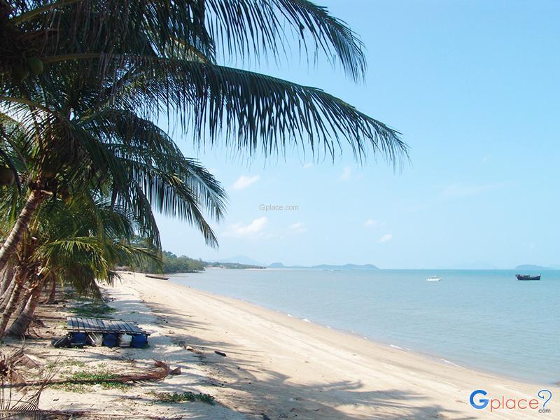 Chan Damri Beach