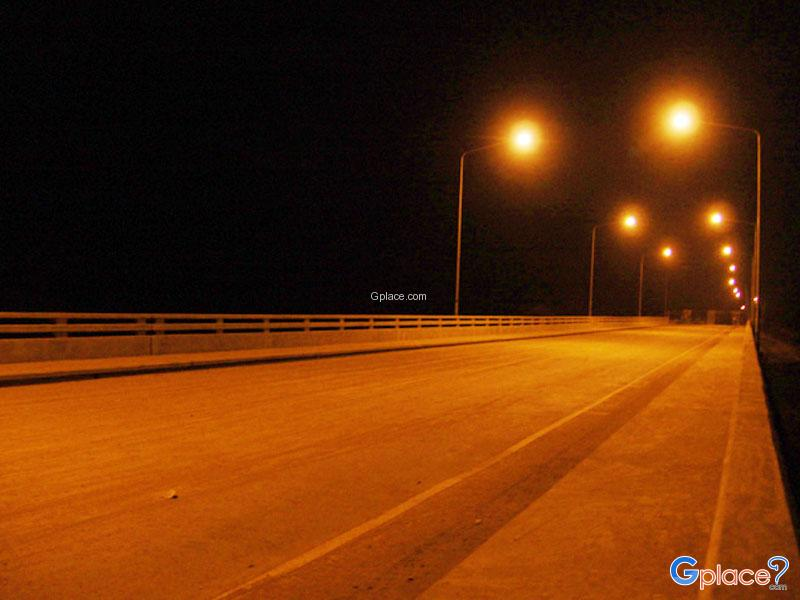 Heung River Thai Lao Bridge