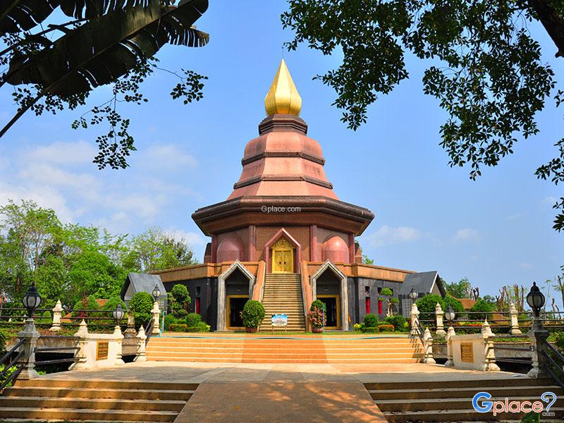 Wat Phai Lom Muang Trat District