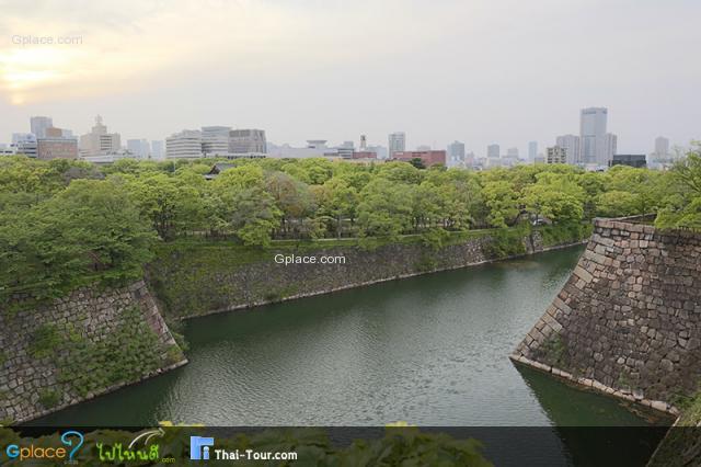 สวนสาธารณะรอบปราสาทโอซาก้า