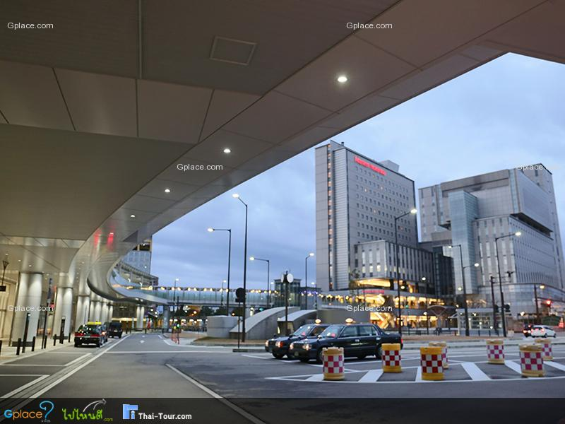 สถานีทาคาโอกะ Takaoka JR Station