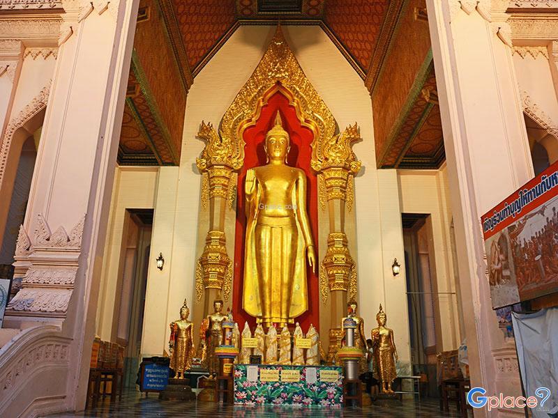 无价的佛像 佛教的土地 暹罗乡村