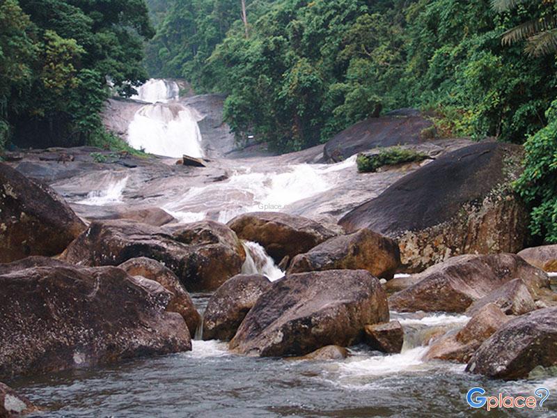 Phrom Lok 瀑布