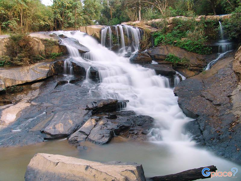 Songkhon Waterfall