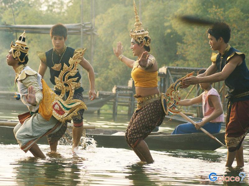 Klong Srabua Floating Market