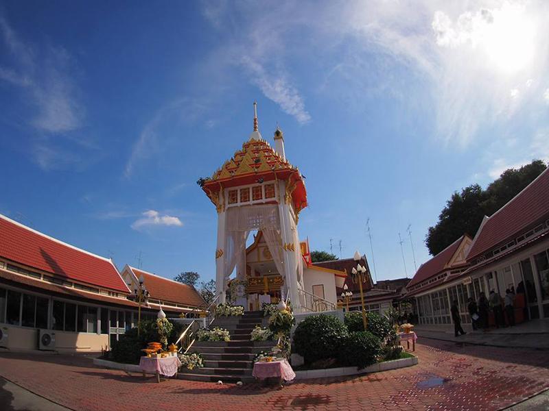วัดเสาธงทอง ลพบุรี