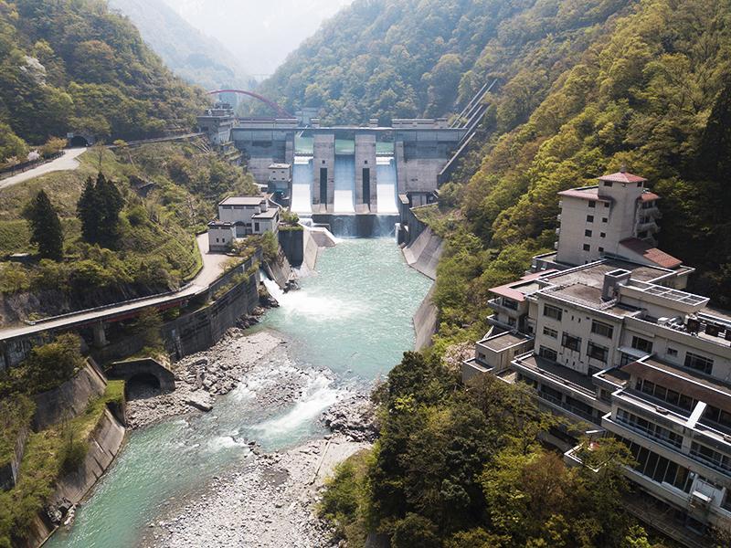 เขื่อนอูนะซูกิ Unazuki Dam