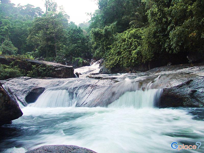 Ai Khiao 瀑布
