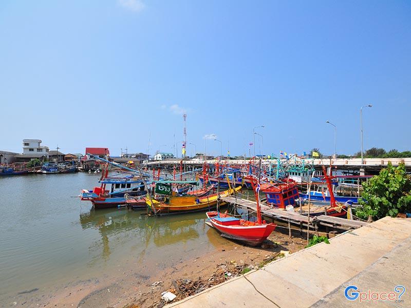 罗勇河口  Lamchareon滩
