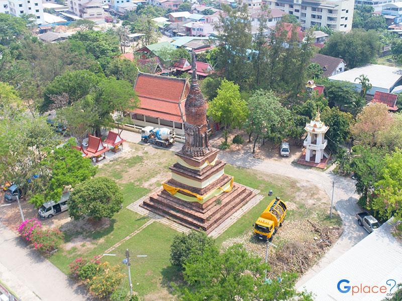 Wat Chedi Yot Thong
